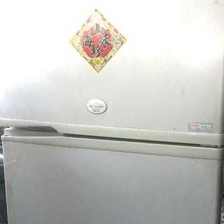 超大容量430L原裝進口夏普雙門電冰箱 Large capacity 430L imported Sharp two-door refrigerator