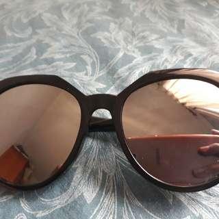 Kacamata Hitam Mirror