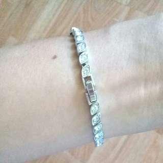 Swarovzki Bracelet Authentic