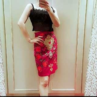 「保留」專櫃單品  真皮酒紅燙金線手工刺繡真皮裙  翹臀包臀 時尚