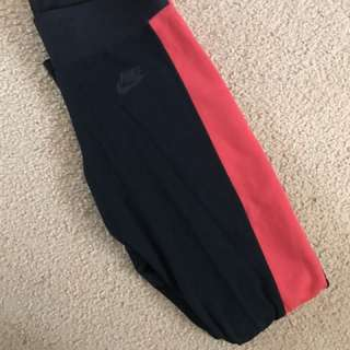 Nike black/red tights size XS