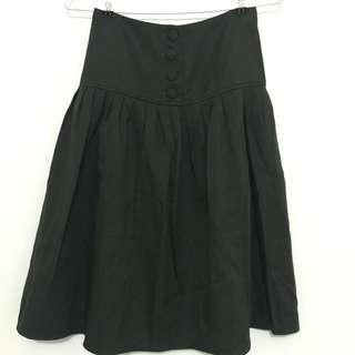 Black skirt with knop