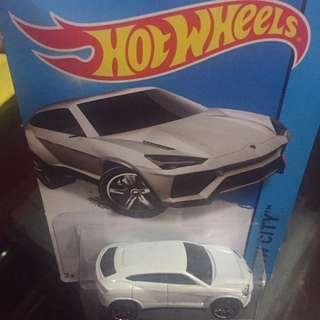 Hot Weels Lamborghini Urus Putih