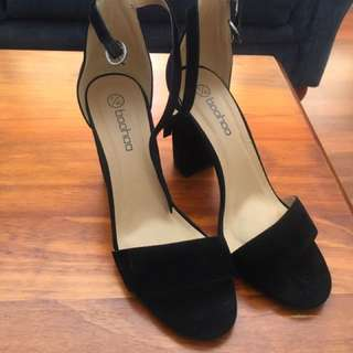 Boohoo heels size 40 (best fit a 9)