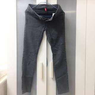 Uniqlo 灰色長褲