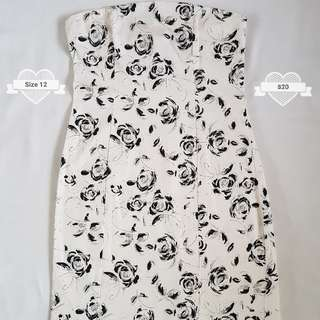Ckm Brand Size 10 White Strapless Dress With Black And Silver Glitter Roses