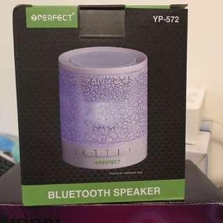 全新 包郵LED Colorful Light Bluetooth Speaker