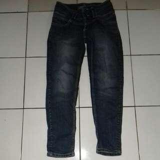 Jeans Lois cewek