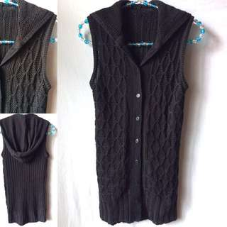 Sleeveless Knit Top w/ Hood   Preloved   Size: S   Personal fave! 💕