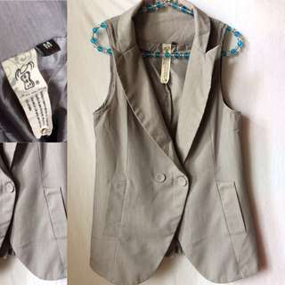 Sleeveless Longline Blazer   Size: M
