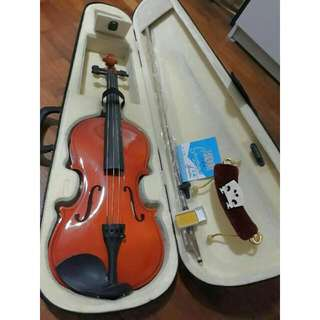 🔥BN 4/4 Violin 🎻 Suitable For Beginners! Comes With Alot Of Free Gifts Essential For Learning🔥