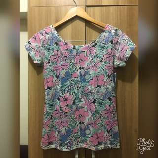 Floral Shirt with bow design on the back