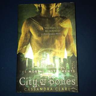 The Mortal Instruments City of Bones (English)