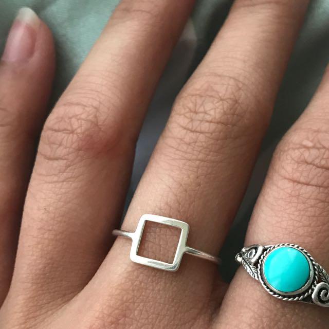 925 Sterling Silver Hollow Cube Rung