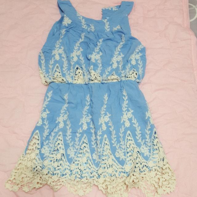 水藍刺繡小花洋裝