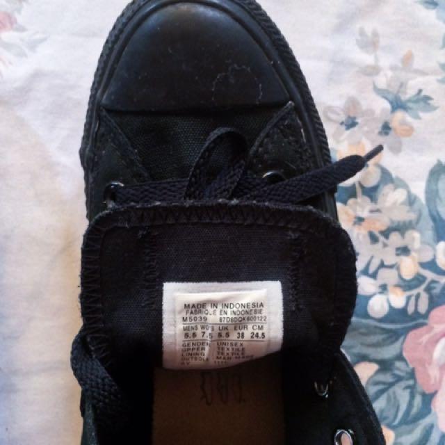Authentic Black Low Cut Converse
