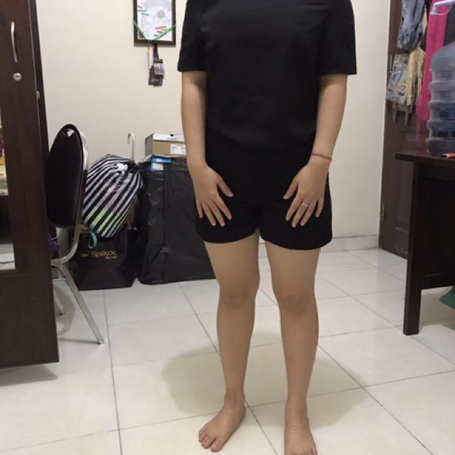 baju atasan sabrina