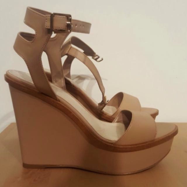 Charles & Keith Wedges size 37