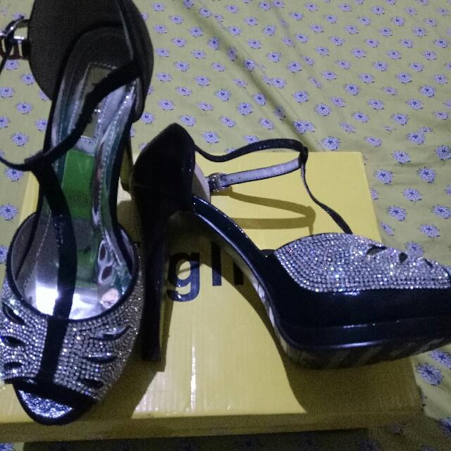 Figlia Black Platform Sandals