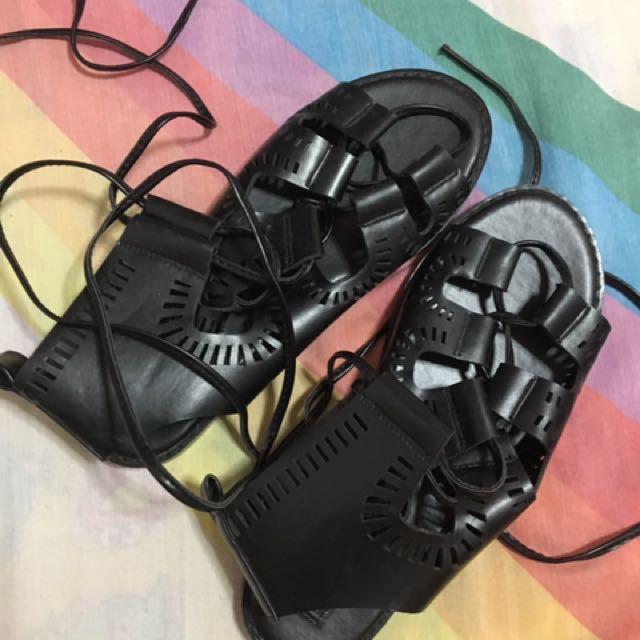 Forever 21 Black Sandals