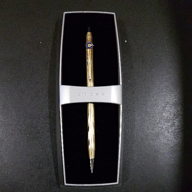Gold Cross Pen