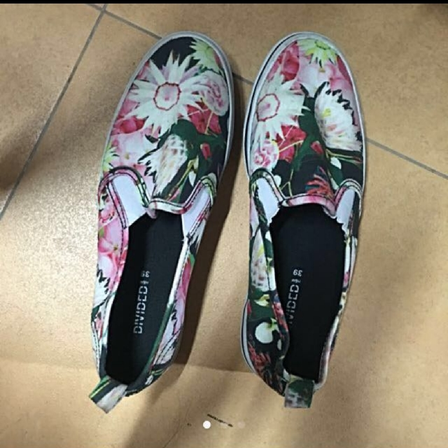 H&M Slip-ons | Size 39