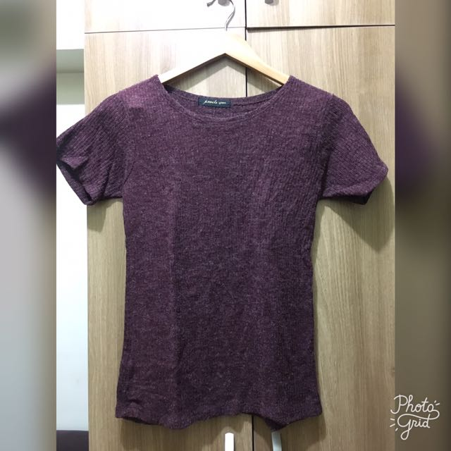 Knitted maroon shirt