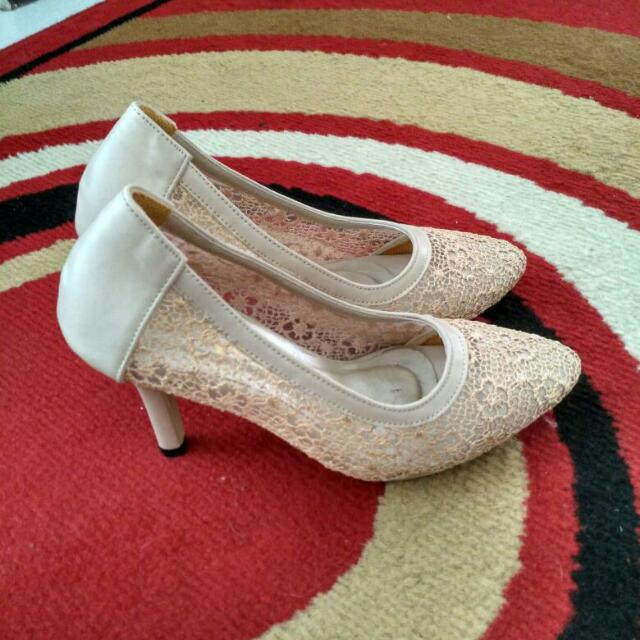 Lace Shoes By Alive