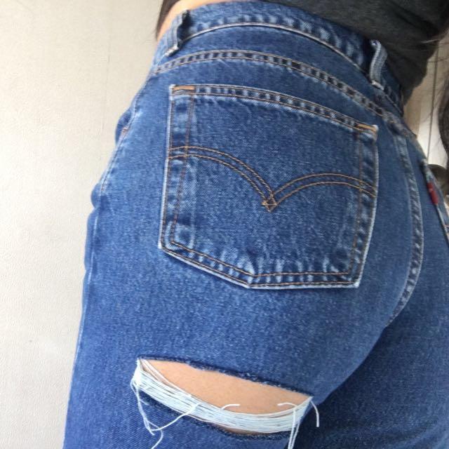 LEVI's Denim MOM Jeans - Size 12-14