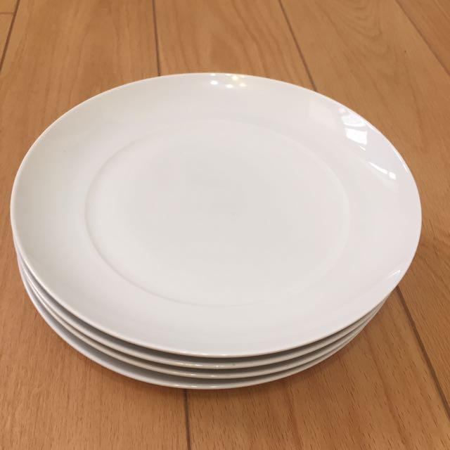 Mark's & Spencer White Plates