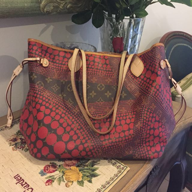 Mirror LV Limited Edition Red Monogram Neverfull