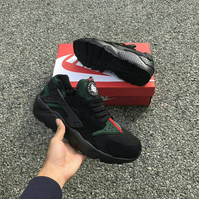cheaper b2132 cdd70 Nike Air Huarache Gucci, Men s Fashion, Footwear on Carousell
