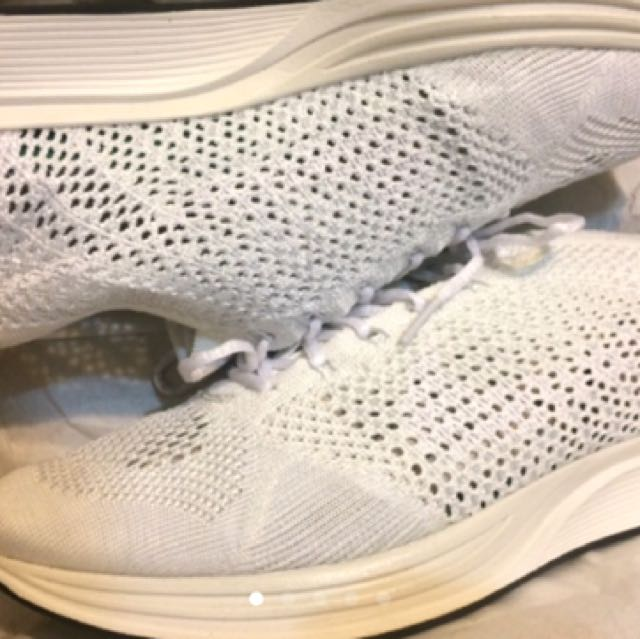 Nike flyknit racer 10.5 白