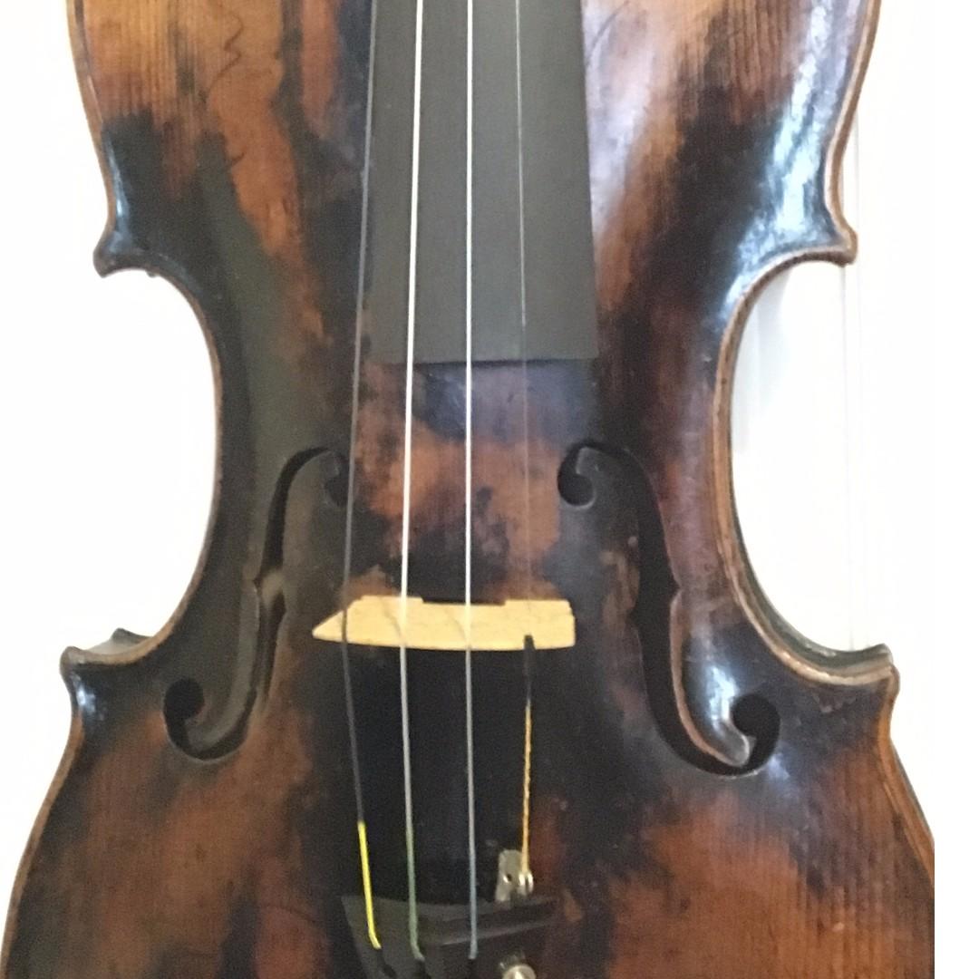 Old Violin labeled Matteo Goffriller 1726 , Music & Media