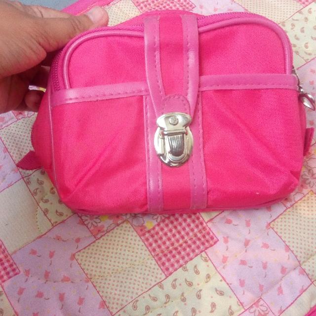 pink organizer pouch
