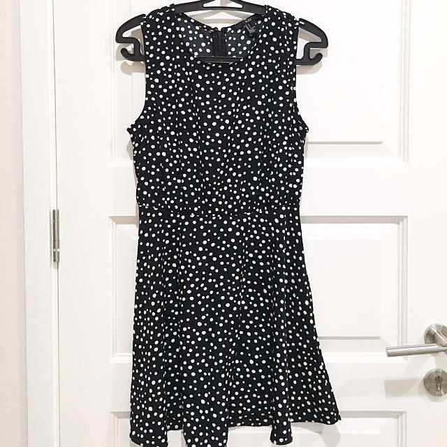 PRELOVED FOREVER21 Black Polkadot Summer Dress