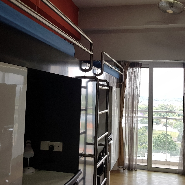 Studio For Rent Bay Area: Quad Sharing With Bay Window Hostel Room At MDIS