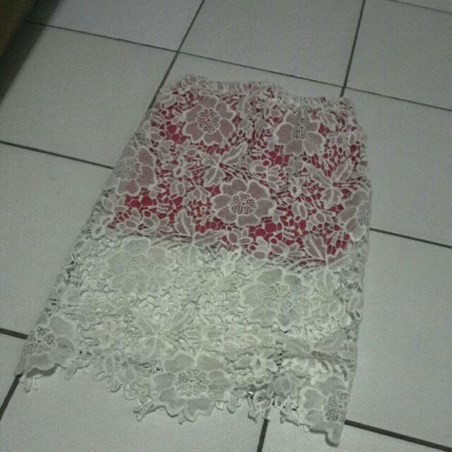 Rok Brukat Pink Putih