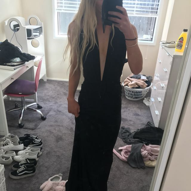 Selling my beloved black formal dress