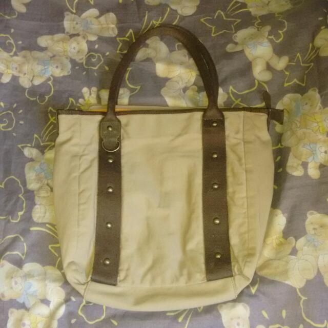 uniqlo brown shoulder bag