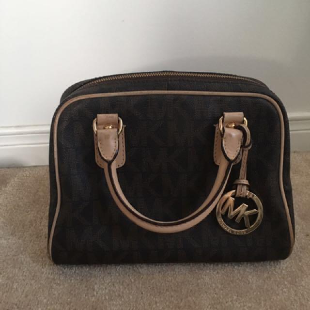 Used Micheal Kors Hand Bag