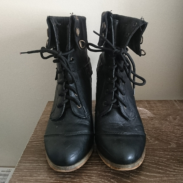 Wildfire Black Boots (size 7)