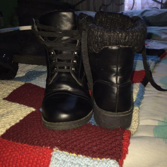 Womens Novo Fluffy Boots Size 8