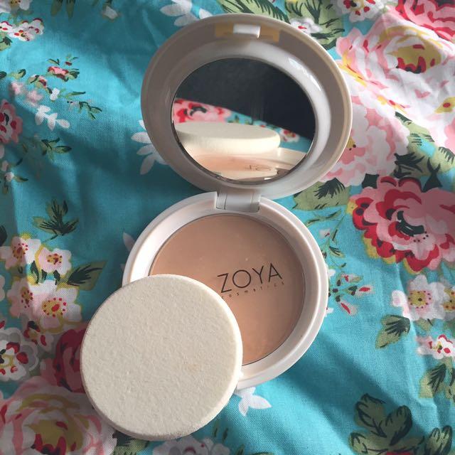 Zoya two way cake shade translucent