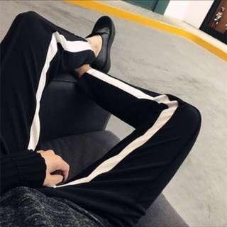 黑系列街頭風運動感哈倫褲柔軟棉白線條內檔現貨