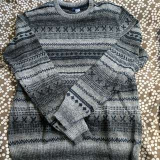 H&M Sweater. Size M