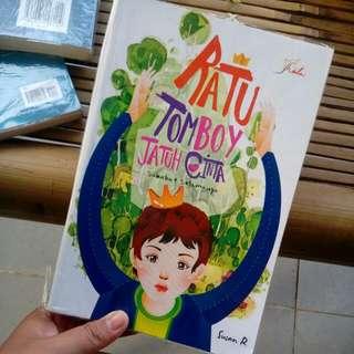 Novel Ratu Tomboy Jatuh Cinta