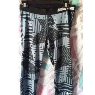 Black & Grey Nike Pro Capri Leggings