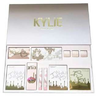 kylie vacation gift set