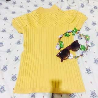 Yellow fitted shirt